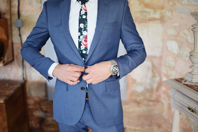 tips for the groom's attire