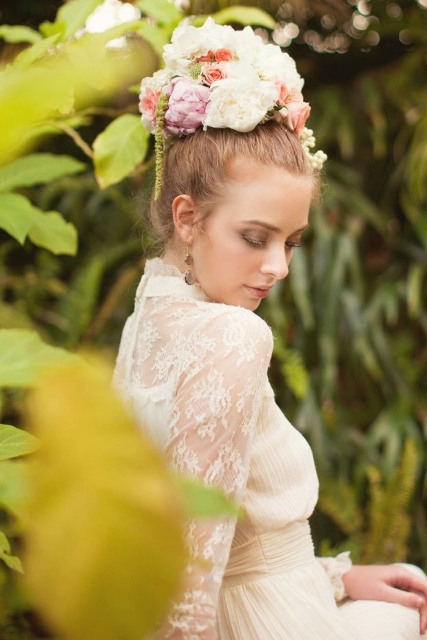 gorgeous-floral-crowns-wedding-hairstyle