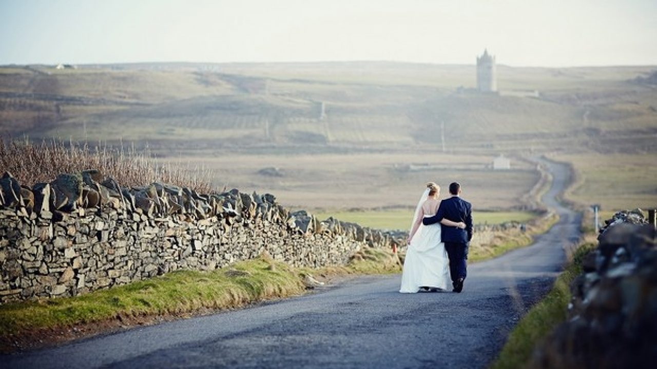 A Rustic Spring Wedding at Hotel Doolin by DKPhoto