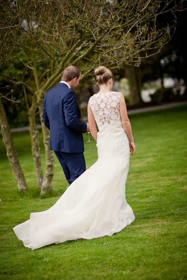 25-bride-groom-walking-gardens