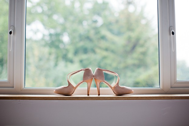 5-rose-gold-wedding-shoes-vintage
