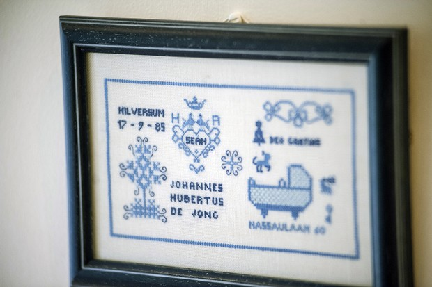 embroidered-family-tree