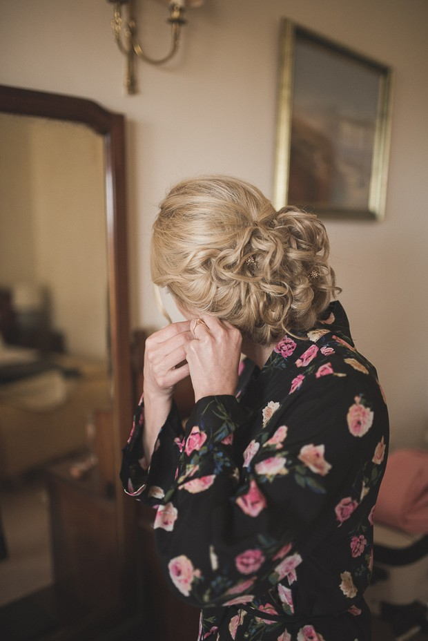 bridesmaid-low-up-do-blonde-hair (2)