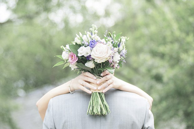 country-rustic-style-wedding-bouquet-ireland-summer-pastel
