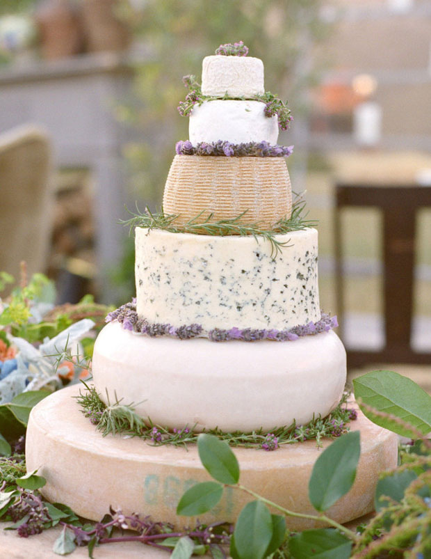 wedding-cheese-cake-garnished-with-lavender
