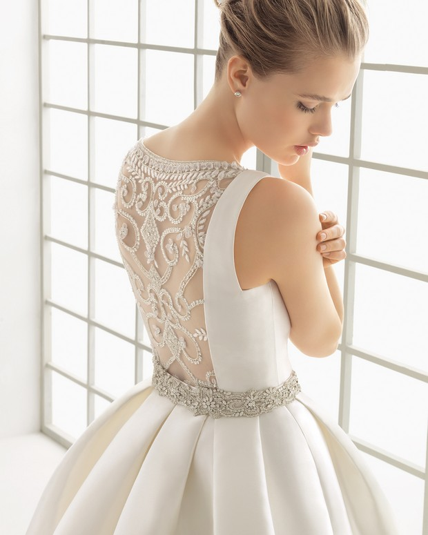 beaded-embroidered-tulle-back-wedding-dress-rosa-clara-delfos