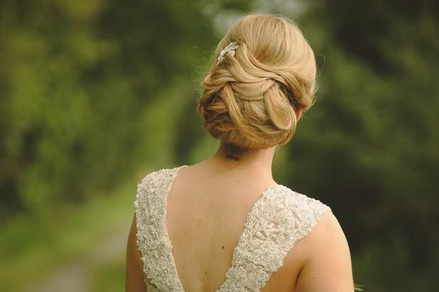 25-classic-elegant-wedding-up-do-stylist