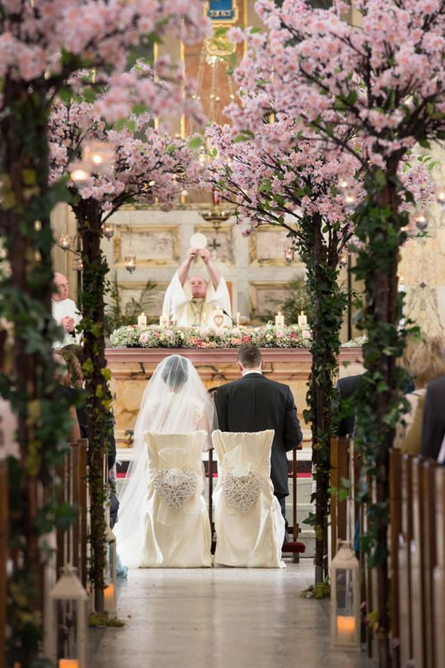 Cherry_Blosson_Tree_Pew_Ends_Wedding