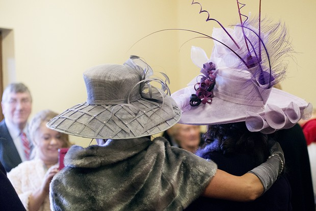 17_Wedding_Guests_in_Hats_Chuch