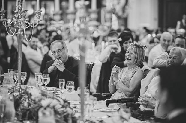 53-wedding-guests-laughing-at-speech