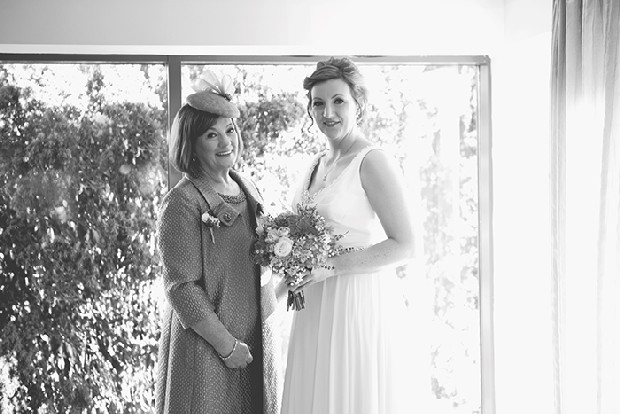 11-bride-and-mother-photo