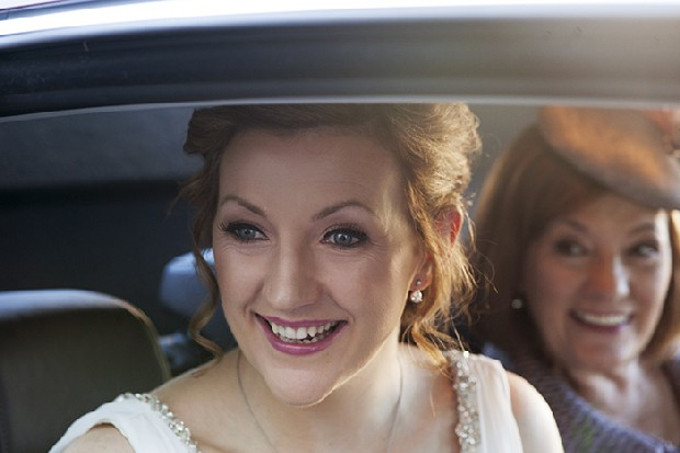 16-bride-mother-in-wedding-car-couple-photography