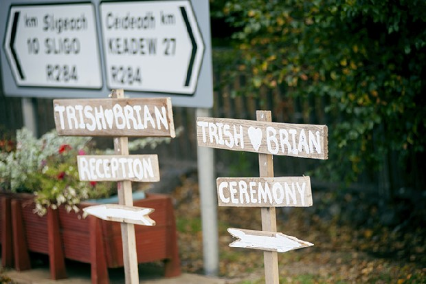 21-rustic-wooden-signs-wedding-reception-ceremony-directions