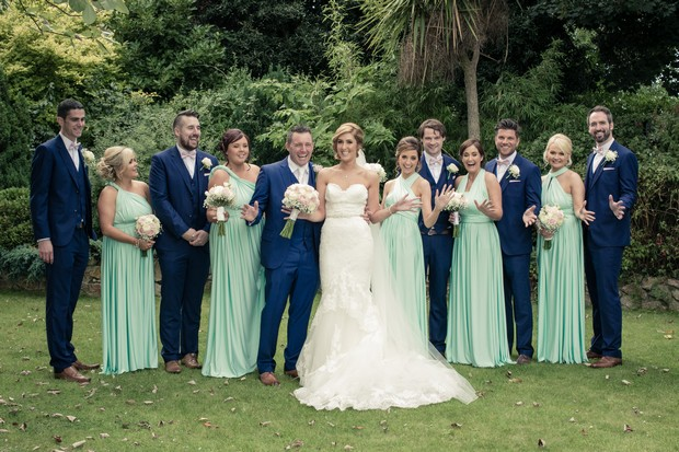 bridal-party-in-mint-green-and-navy