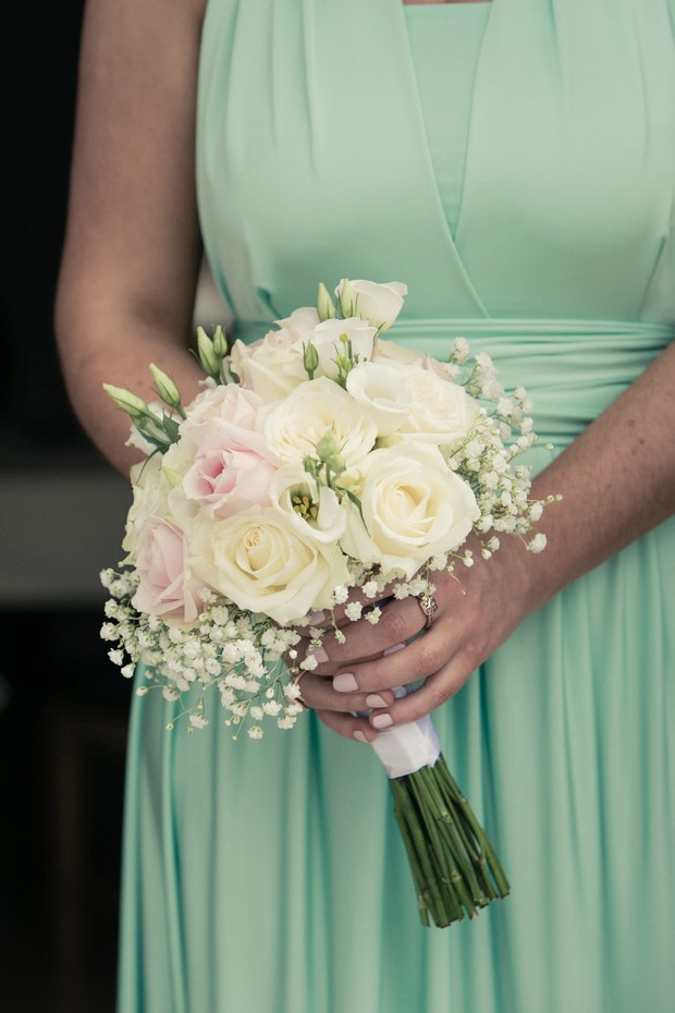bridesmaid-in-mint-dress