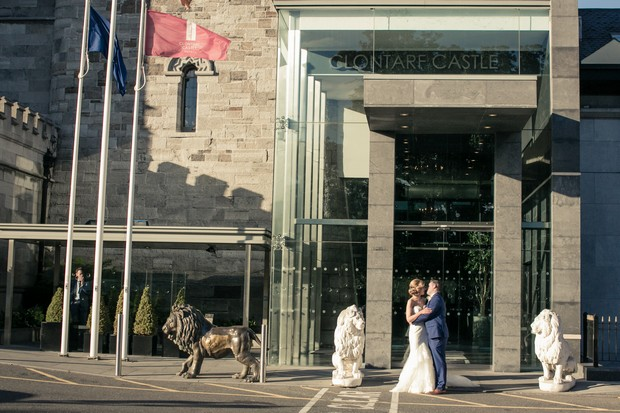 clontarf-castle-exterior-wedding