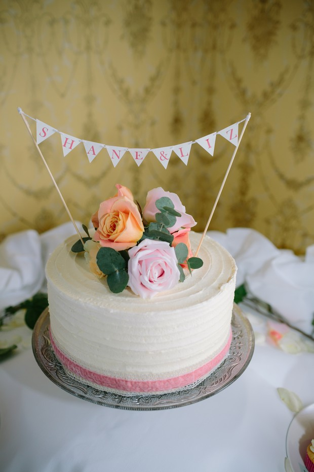bunting-cake-topper