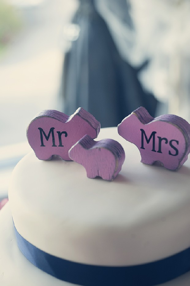 mr-mrs-bear-figurine-wedding-cake-toppers