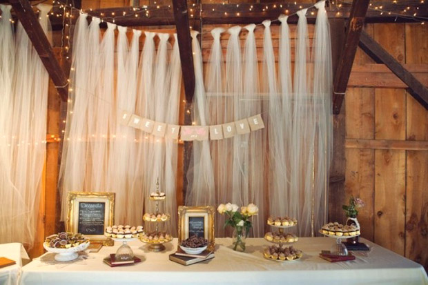 tulle-wall-covering
