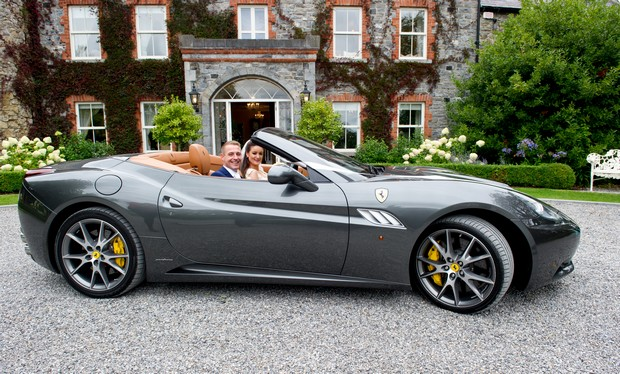 16-Bride-Groom-Convertible-Ferrari-Sports-Car-Wedding
