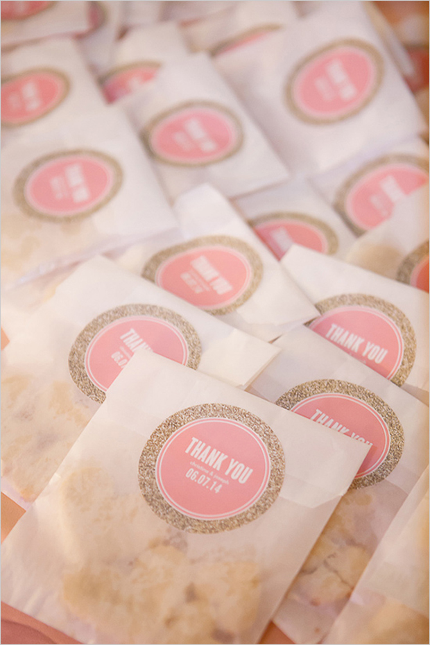 cookie-wedding-favors-personalised-wedding-stickers