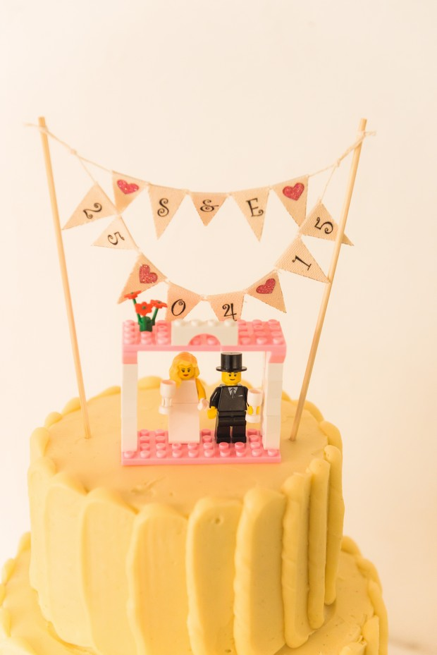 cute-lego-cake-toppers-wedding-bunting-1