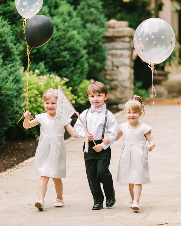 flower-girls-with-balloons