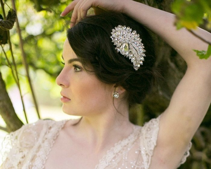 wedding-hair-combs-dramatic-embellished-wedding-hair-comb-lily-julesbridal