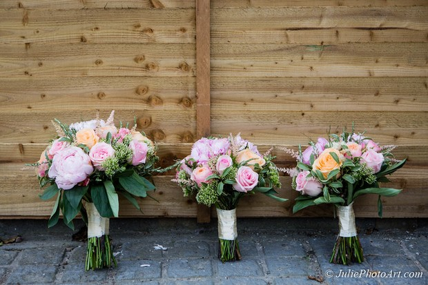 anglers-rest-real-wedding-julie-photo-art-wedding-bouquets