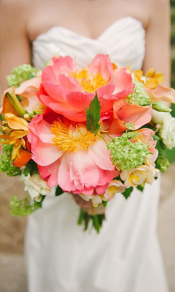 bright-colourful-summer-wedding-bouquet-coral-peony