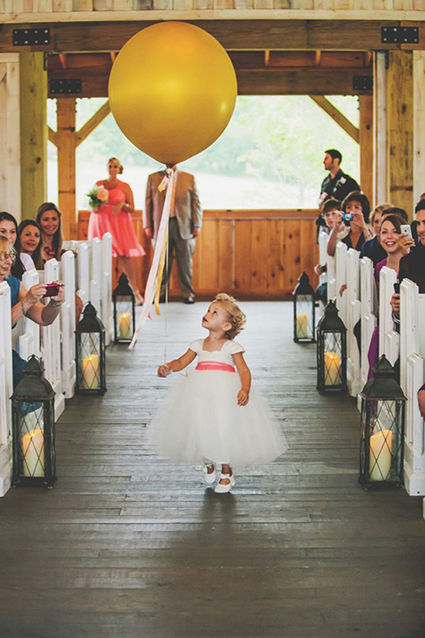 here-come-the-bride-balloons