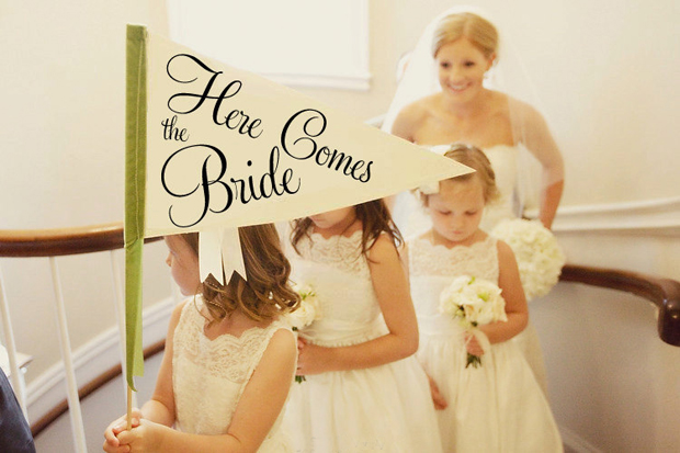 here-comes-the-bride-sign-flag