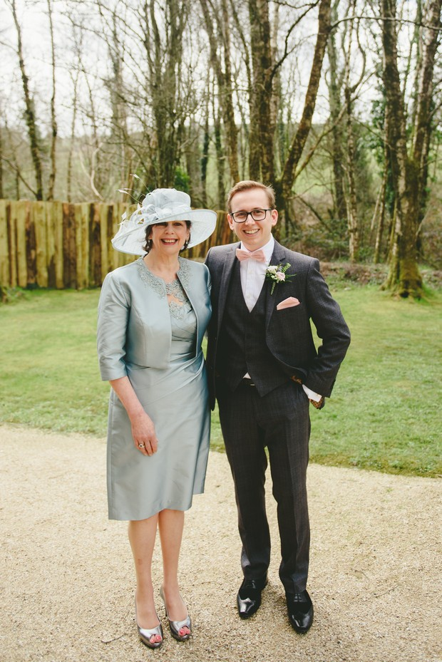 15-stylish-mother-groom-blue-Emma-Russell-Photography-weddingsonline