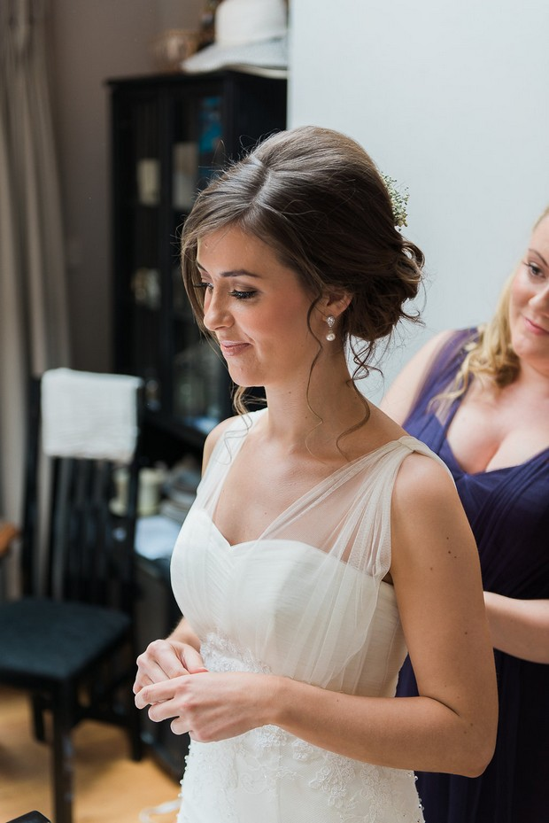 18-Pretty-bride-getting-ready-Kathy-Silke-Photography-weddingsonline