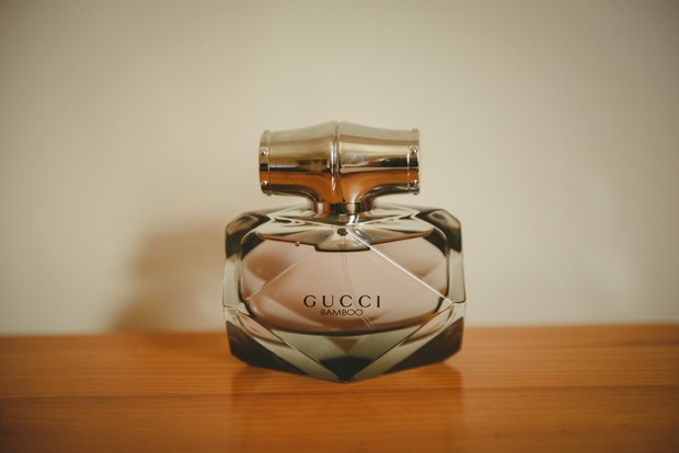 2-Wedding-perfume-Gucci-Emma-Russell-Photography