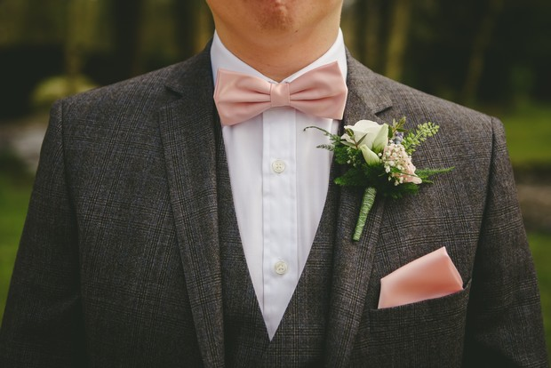 31-Stylish-real-grooms-suits-three-piece-tweed-salmon-bow-tie-weddingsonline