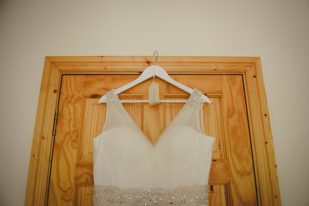 4-Simple-DIY-wedding-project-hanger-dress-Emma-Russell-Photography