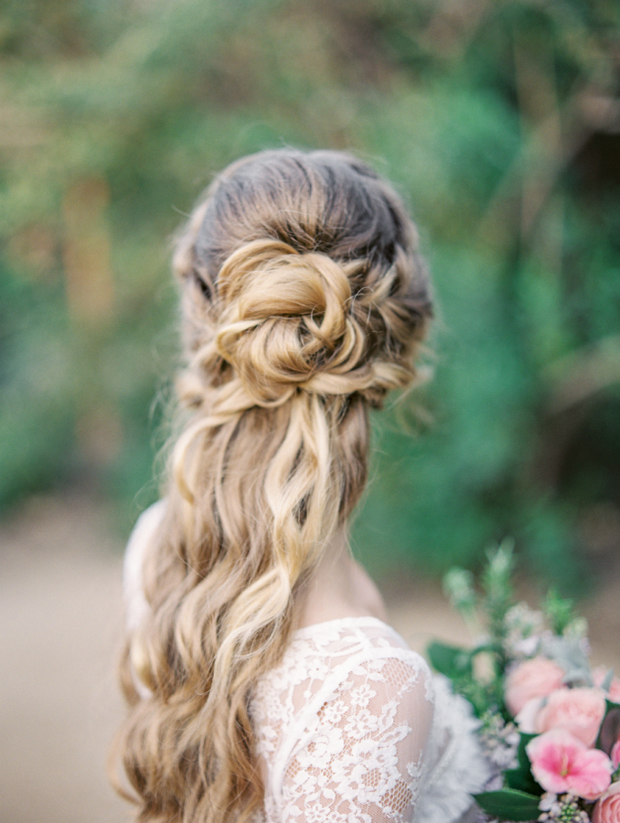 boho-wavy-half-up-half-down-wedding-hairstyle