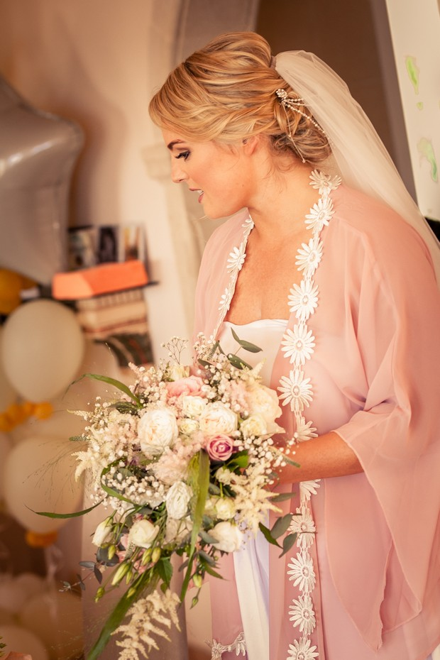 5-Wedding-Morning-Bride-Getting-Ready-Pink-Silk-Robe-weddingsonline
