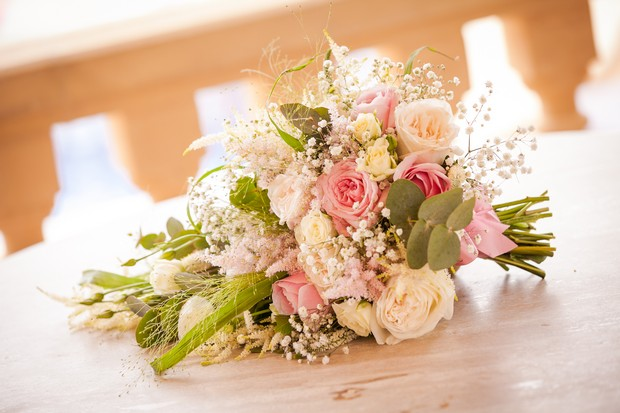 8-Summer-Wedding-Bouquet-Colourful-Rose-Pastel-weddingsonline