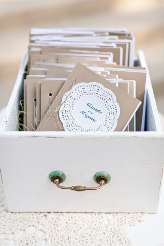 doily-and-kraft-paper-ceremony-booklet-wedding