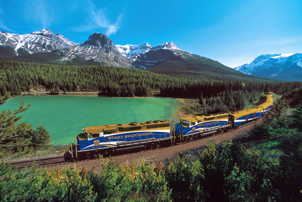 canada-rail-rocky-mountaineer