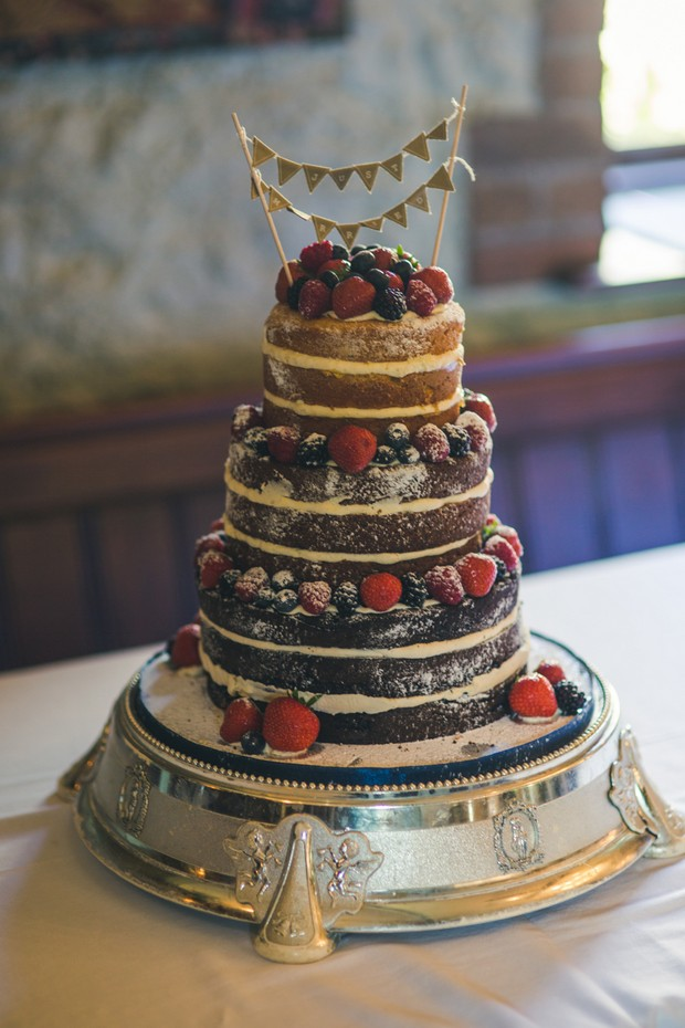 barberstown-castle-wedding-naked-wedding-cake-with-fruit