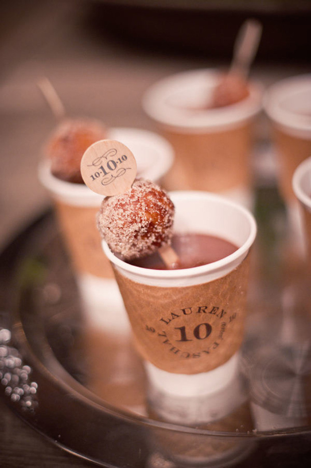 coffee-and-donuts-winter-wedding-ideas