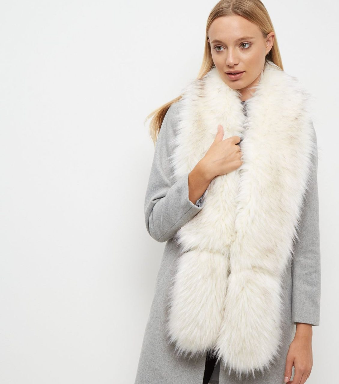 new-look-white-faux-fur-stole