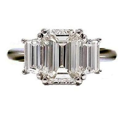 engagement-ring-3-stone-Emerald-trapezoid-cut-ejewels