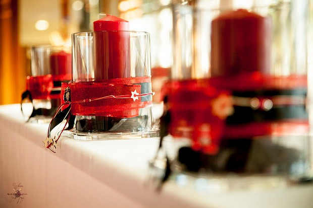 festive-wedding-details-red-candles