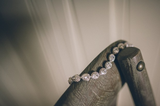 5-Bridal-Jewellery-Emma-Russell-Photography-weddingsonline