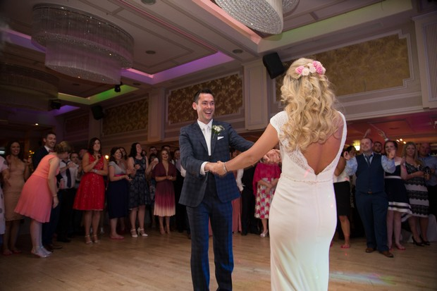 Questions To Ask Wedding Dj.10 Questions To Ask Your Wedding Dj Before Signing That Contract