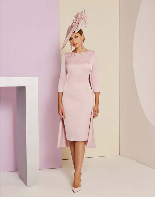 0b41185495 30 Elegant Mother of the Bride Outfits for Spring Summer ...
